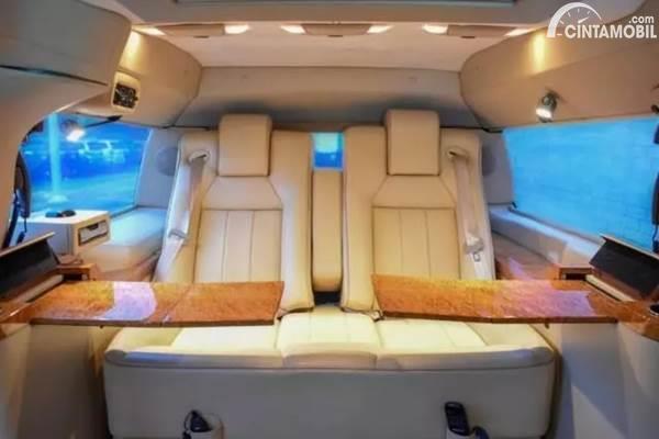 Ford Excursion Limousine interior