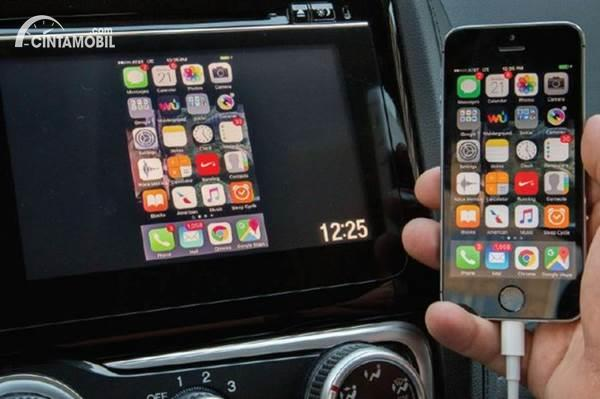 Koneksi Apple CarPlay