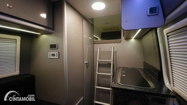 Mercedes-Benz Sprinter Camper Van bed