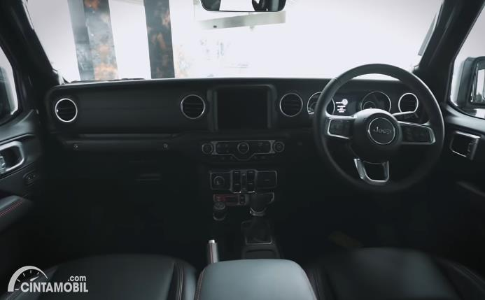 dashboard Jeep Gladiator JT 2020 berwarna hitam