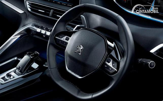 setir Peugeot 3008 Allure Plus 2020 berwarna hitam
