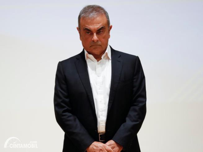 Mantan Bos Nissan yang Masih Buron Kembali Muncul di Depan Publik