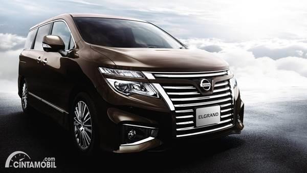 Nissan Elgrand dijual