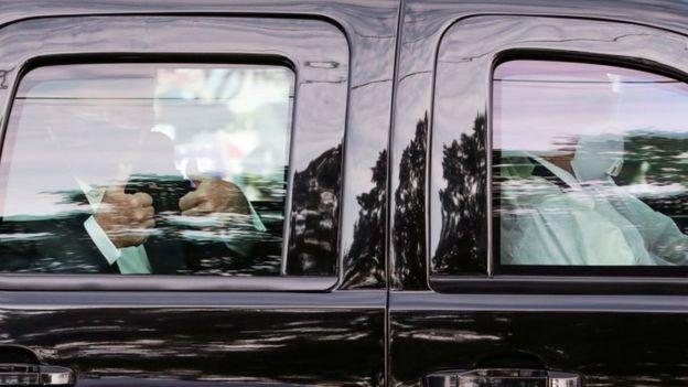 Keliling Naik Mobil Kepresidenan saat Positif Corona, Donald Trump Dikritik
