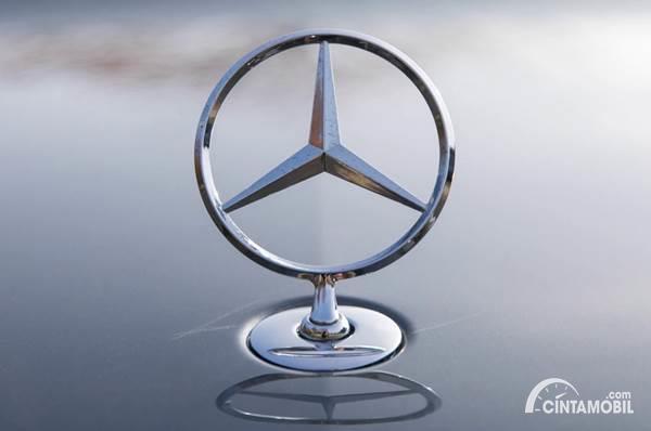 Sejarah Logo Mercedes-Benz
