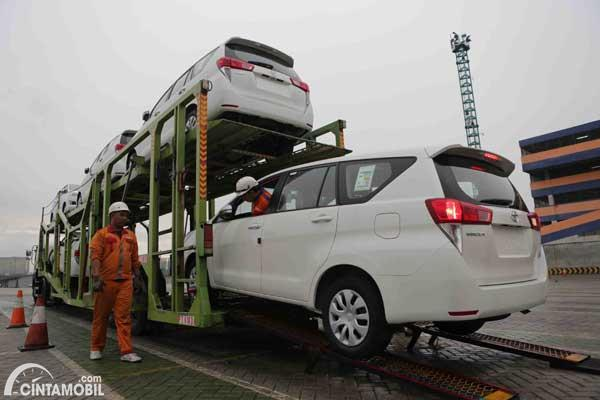 Toyota Kijang buatan Indonesia