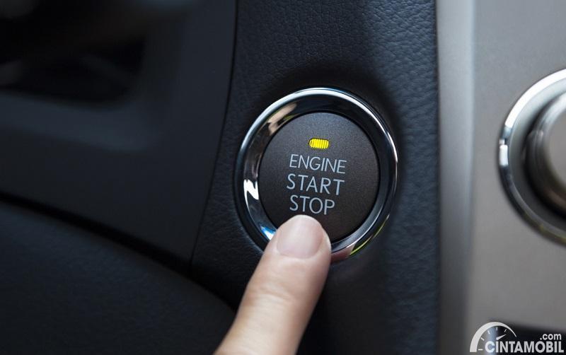 Mematikan mesin mobil