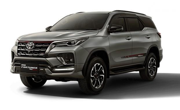 Harga Tembus Rp 700 Jutaan, Pilih Toyota Fortuner Baru atau Model Lain?