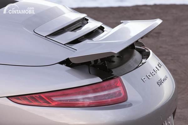 Porsche 911 Carrera Scandal