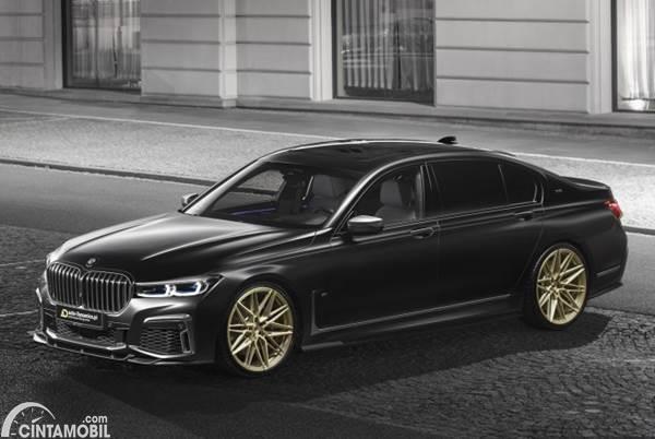 BMW M760Li xDrive Racikan Auto-Dynamic Parasnya Makin Tampan