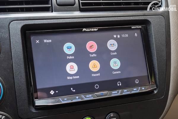 Waze on Android Auto