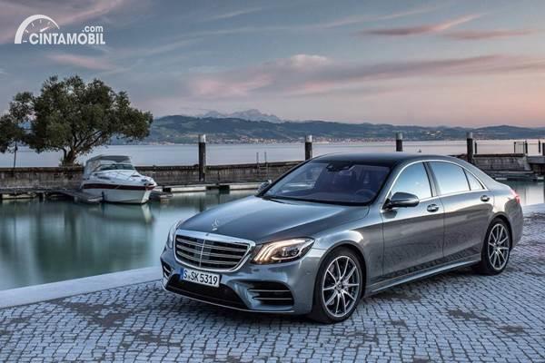 Mercedes-Benz Kembali Jadi Merek Otomotif Termewah