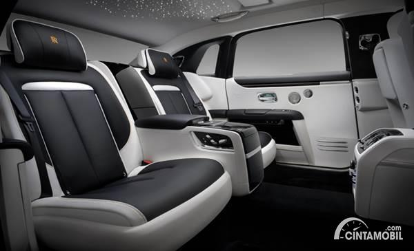 Rolls-Royce Ghost Extended interior
