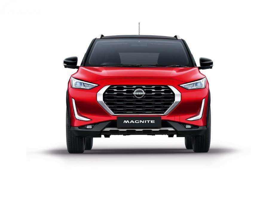 Tampilan depan Nissan Magnite 2021 berwarna merah