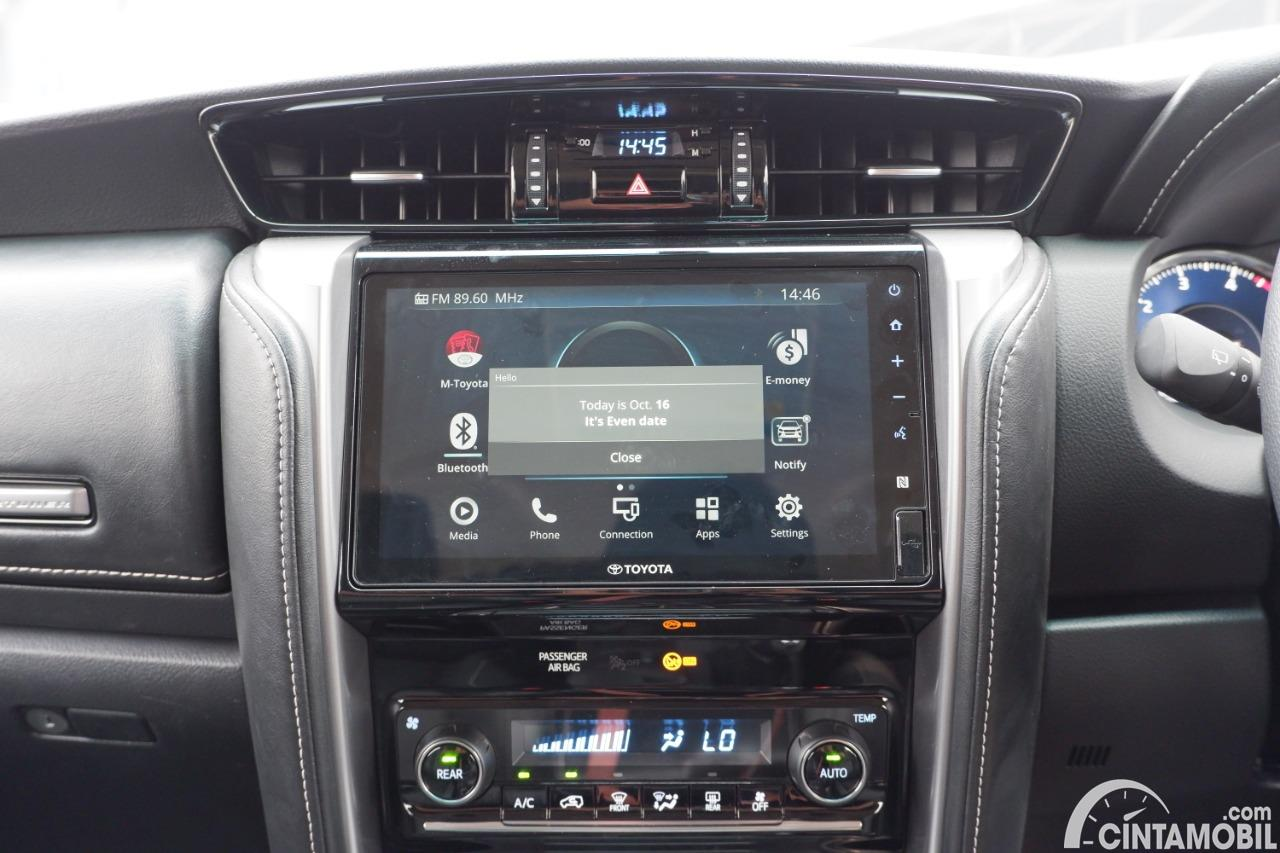Foto In-Car Entertaiment System di Toyota Fortuner TRD Sportivo AT 2020