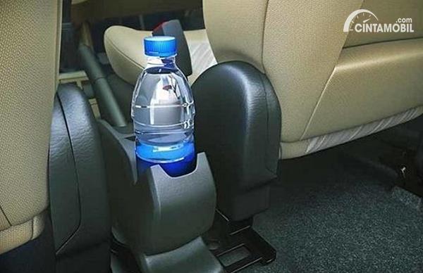 Air Mineral di Mobil