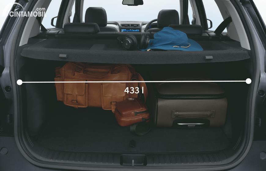 bagasi Hyundai Creta 2020 berwarna hitam