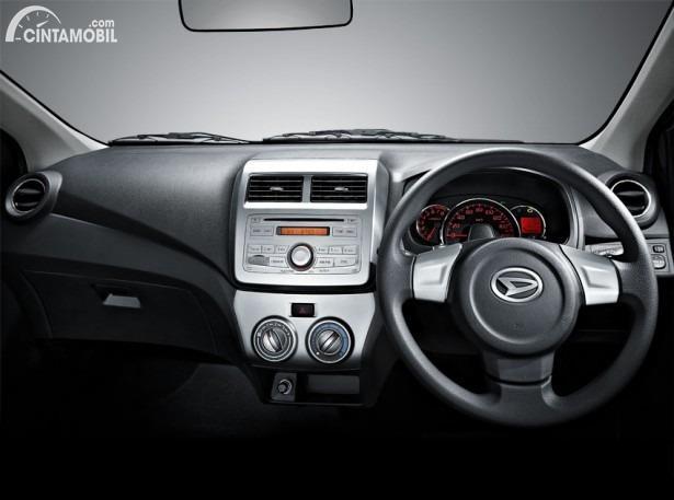 Gambar layout dashboard Daihatsu Ayla 2013