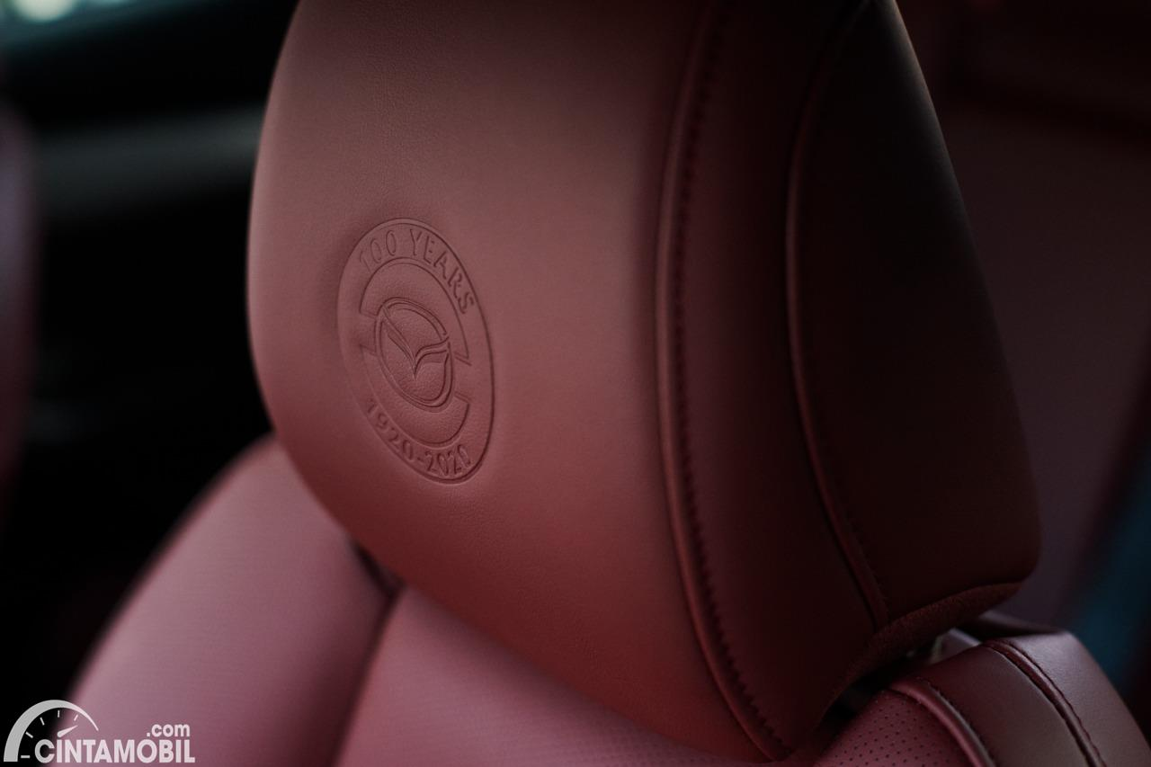 Gambar headrest Mazda 3 100th Anniversary Edition 2020