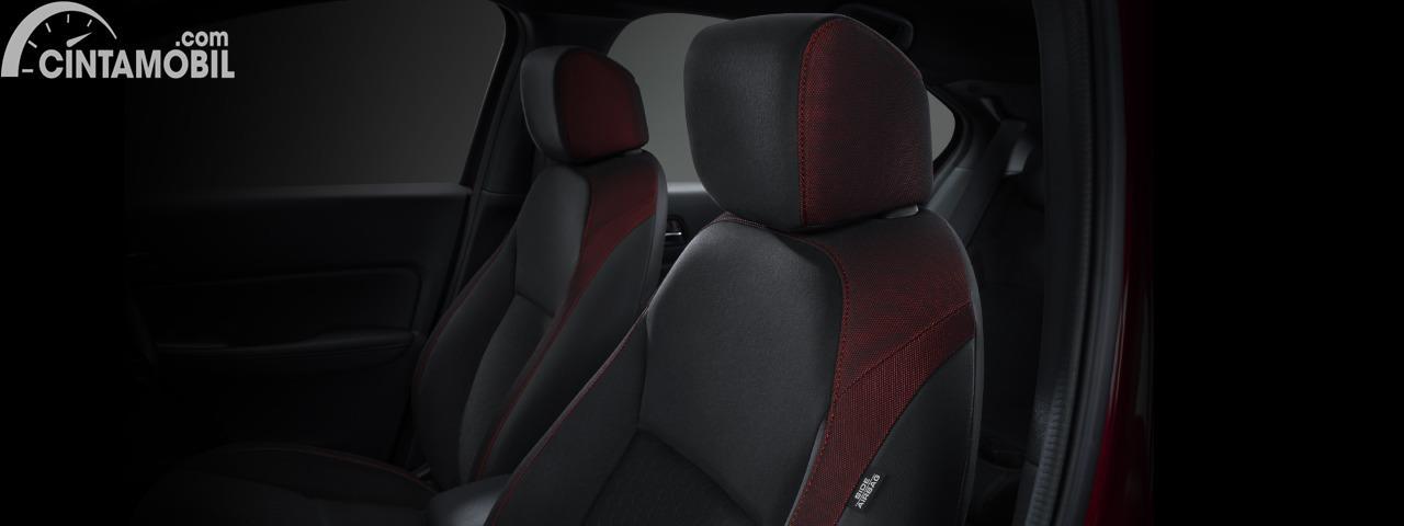 Gambar kursi penumpang depan dan pengemudi Honda City Hatchback 2020