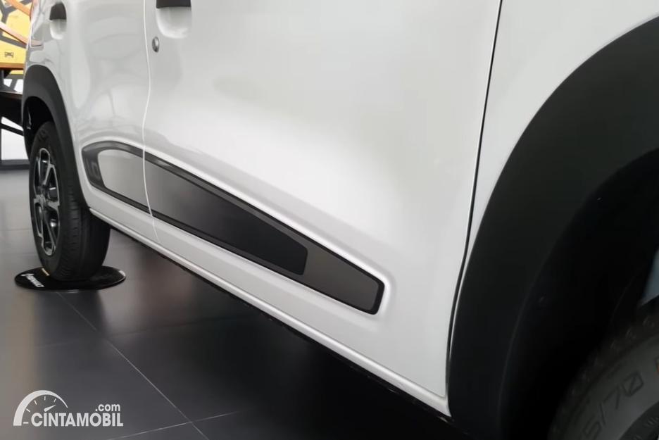 Gambar stiker decal samping Renault Kwid 2020