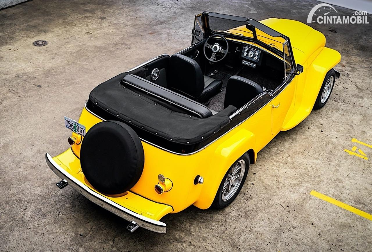 Jeep Willys Jeepster