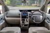 Jual Mobil Bekas Toyota NAV1 V 2013 di DKI Jakarta 1