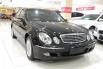 Dijual Cepat Mercedes-Benz E-Class 260 2003 di DKI Jakarta 4