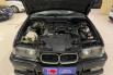 Dijual Mobil BMW 3 Series 320i 1995 di DKI Jakarta 5
