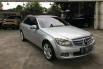 Dijual Mobil Mercedes-Benz C-Class C200 2011 di DKI Jakarta 2