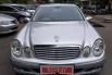 Jual mobil Mercedes-Benz E-Class E260 W211 Elegance 2006 bekas, DKI Jakarta 5