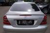 Jual mobil Mercedes-Benz E-Class E260 W211 Elegance 2006 bekas, DKI Jakarta 4