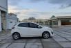 Dijual cepat Mazda 2 R 2012 bekas, DKI Jakarta 4