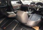 BMW 3 Series 320i Sport 2017 Hitam 3