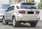 Toyota Fortuner 2.4 G AT 2011 Silver Murah Siap Pakai Bergaransi 2