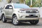 Toyota Fortuner 2.4 G AT 2011 Silver Murah Siap Pakai Bergaransi 1