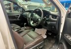 Toyota Fortuner 2.4 VRZ AT 2018 Putih 2