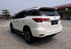 Toyota Fortuner 2.4 VRZ AT 2018 Putih 3