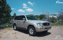 Review Toyota Land Cruiser VX100 2002: King-Off-The-Road