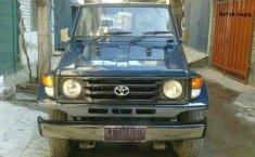 Toyota Landcruiser 1990 Hijau