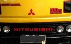 Mitsubishi PS 100 engkel 4 roda tahun 1996