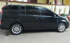 Toyota Isis Platana Luxury Limited Edition