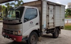 Jual mobil Toyota Dyna 2004