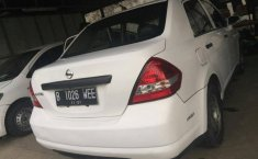 Jual Nissan Latio 2010