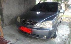 Jual mobil Kia Carens 2004
