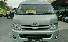 Toyota Hiace High Grade Commuter 2012