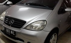 Mercedes-Benz A160 W168 L4 1.6 Automatic 2000 Hatchback