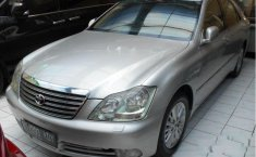 Toyota Royal Saloon 2005 Sedan