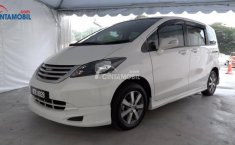 Review Honda Freed 2010