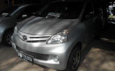 Daihatsu Xenia X Silver 2012 Manual